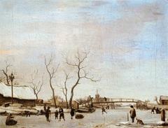 Rivière gelée avec patineurs et joueurs de hoquet