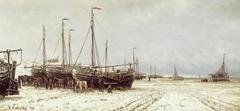 Boten op het strand bij Scheveningen
