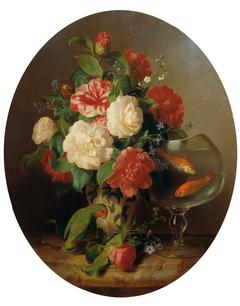 Blumenstück mit Goldfischglas