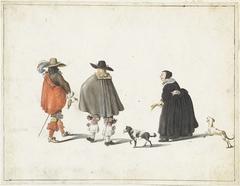 Vrouw in zwart, vergezeld door twee hondjes, pratend met twee heren