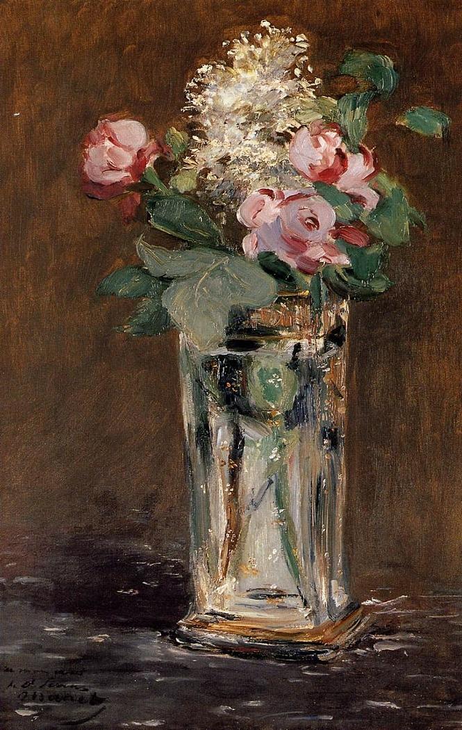 Fleurs dans un vase de cristal