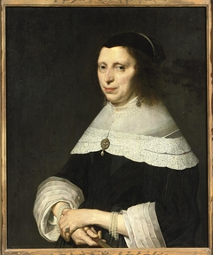 Portrait of an unknown woman wearing pearls