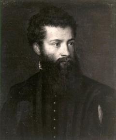 Ritratto di giovane uomo con barba