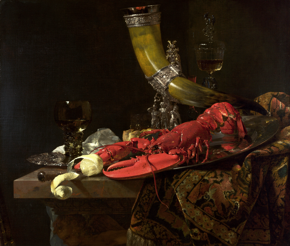 Drinking horn with lobster and glassware